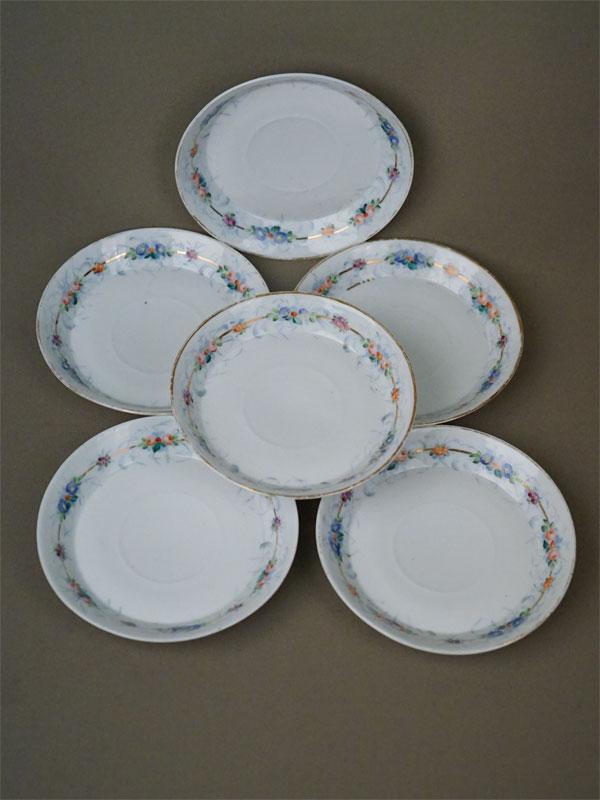 Блюдца (6 шт.), фарфор, роспись, золочение. Завод Гарднера, XIX век