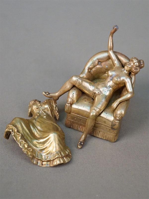 Скульптура-кунштюк «Дама в кресле», бронза, начало XX века, высота 8,3см