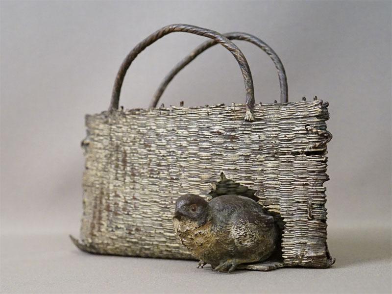 Ваза для писем «Корзина с птенцом», венская бронза, конец XIX века, высота 13см, длина 18см