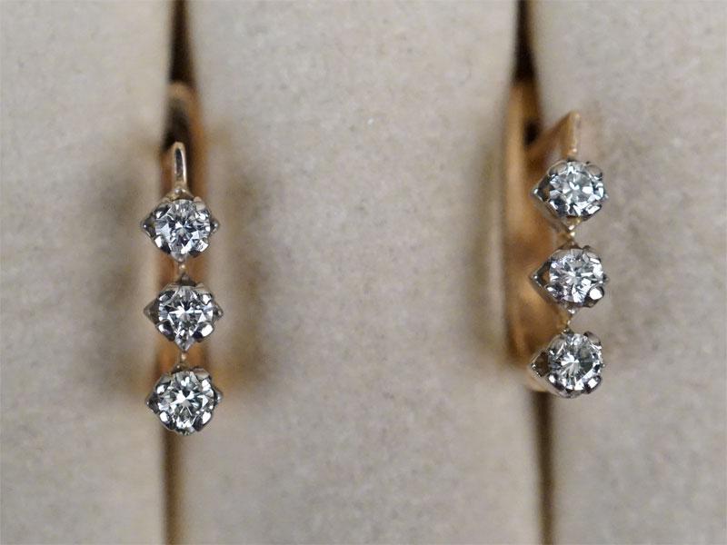 Серьги, золото 583 пробы, общий вес 3,11г. Вставки: бриллианты (6бр Кр57 – 0,44ст  4/3-5)