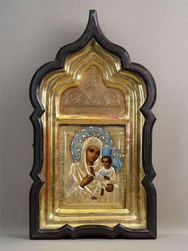 Икона в киоте «Пресвятая Богородица Тихвинская», дерево, масло, 18 × 14,5см. Оклад серебро 84 пробы, эмаль, конец XIX – начало XX века