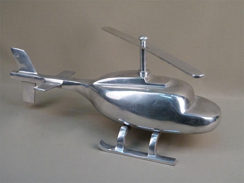 Модель вертолета, металл, длина 50см. Англия, 1950-е годы