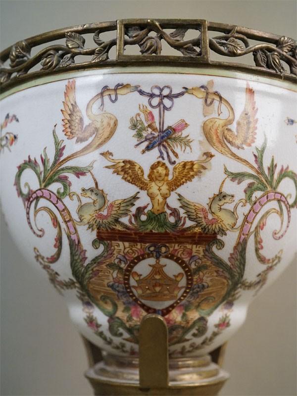 Ваза с крышкой, фаянс, бронза. Западная Европа, конец XIX века, высота 52см