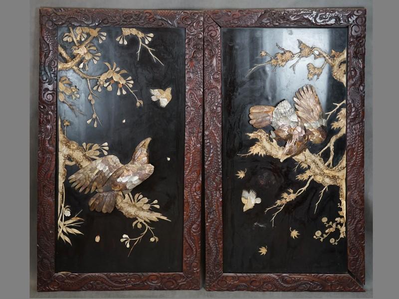 Панно парные «Орлы», дерево, черный лак, инкрустация костью и перламутром. Япония, начало ХХ века, размер — 120 × 67см (утраты)