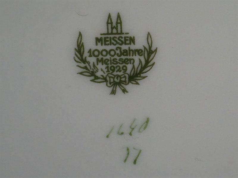 Глубокие тарелки (6 шт.) и подстановочные тарелки (6 шт.), фарфор, деколь, золочение. Германия, Мейсен, диаметр 25см