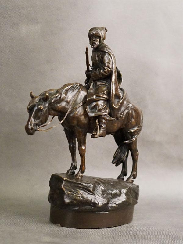 Скульптура «В дозоре», бронза, литье, патинирование. Россия, 1905 год, автор А.М.Вольф, высота 29,5см