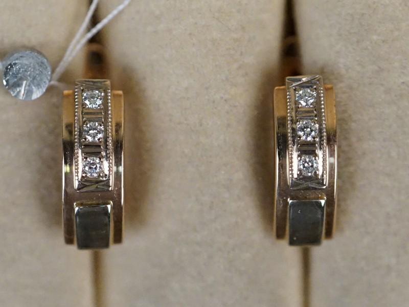 Серьги, золото 585 пробы, общий вес 5,28г. Вставки: 6 бриллиантов (Кр57-0,12ct)