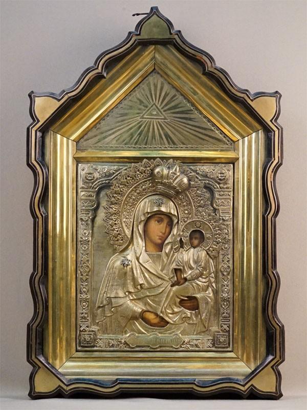 Икона в киоте «Пресвятая Богородица Смоленская-Шуйская», дерево, масло, оклад латунь, XIX век, 27 × 22см