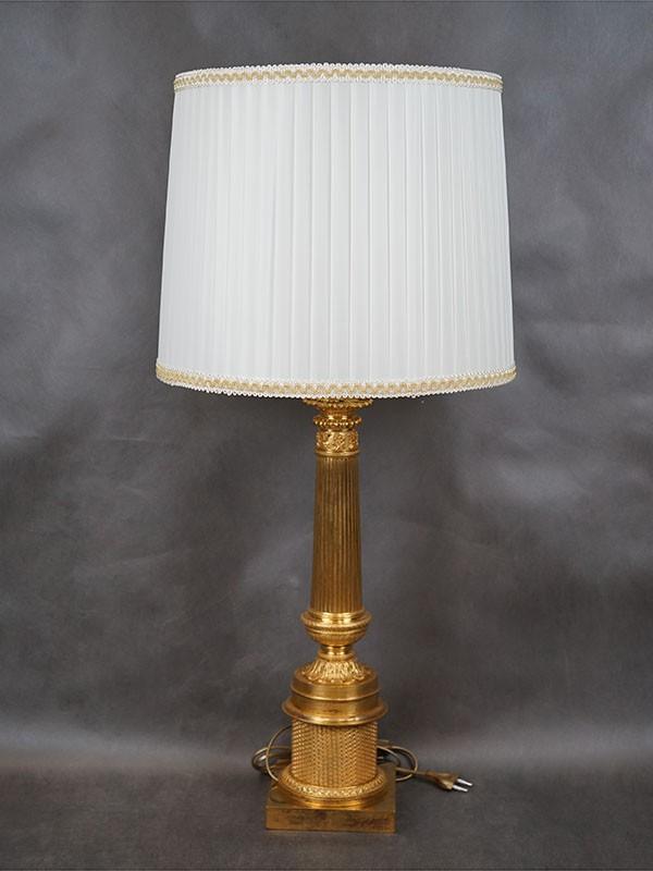 Лампа настольная в стиле классицизм, бронза, золочение, литье, накатка, 1 световая точка (стандартный патрон Е-27). Размер — 91 × 40см