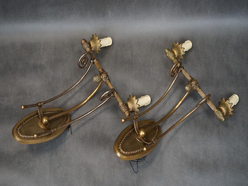 Бра парные двухрожковые в стиле сталинский ампир, бронза. СССР, середина ХХ века, 2 световые точки (стандартный патрон Е-14 миньон). Размер — 48 × 33 × 18см