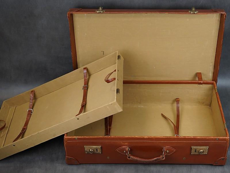 Чемодан кожаный, 1930-е годы. Размер — 32 × 74 × 20см