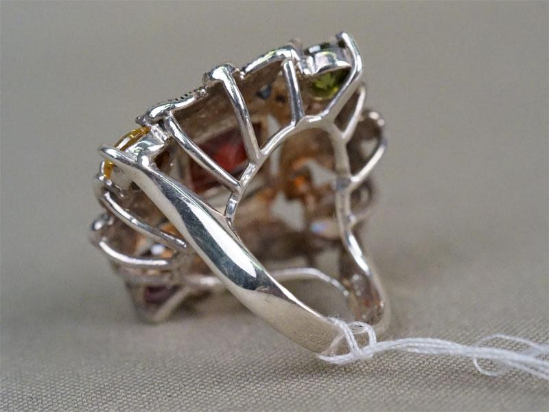 Кольцо, серебро по реактиву, цветные фианиты, общий вес 13,82г. Размер кольца 16,25.