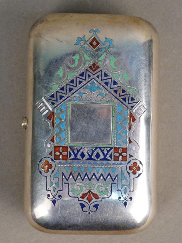 Портсигар в русском стиле, серебро 84 пробы, Санкт-Петербург, мастер «АМ», эмаль, золочение внутри, общий вес 189,22г.,  длина 10,7см