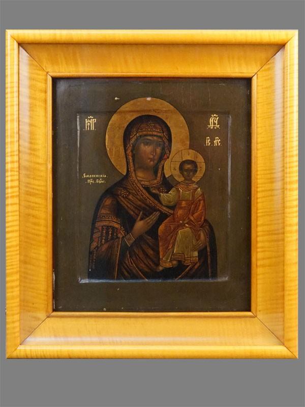 Икона в киоте «Пресвятая Богородица Смоленская», дерево, левкас, темпера, золочение, XIX век, 31 × 26см