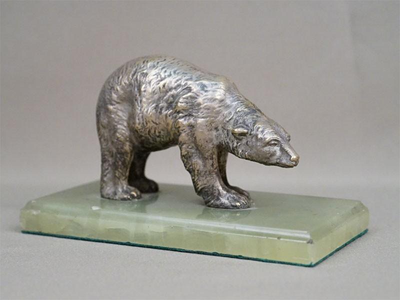 Скульптура «Белый медведь», бронза, серебрение, оникс, длина 17,5см, начало XX века