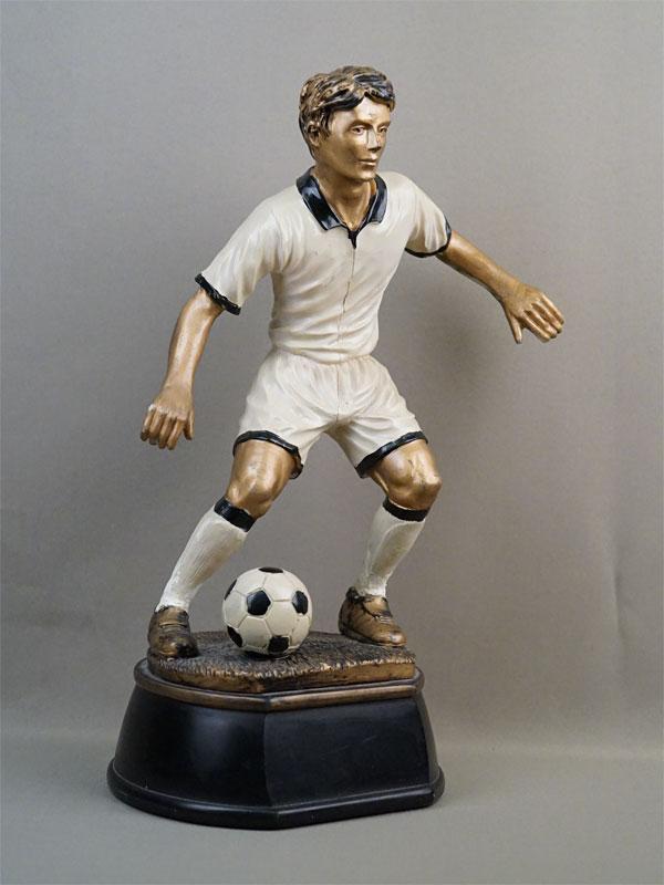 Скульптура «Футболист», композитный материал, роспись, постамент дерево, середина XX века, высота 44см